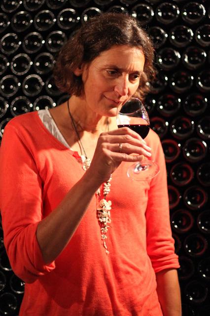Pascale Larroche wine tasting bordeaux wine tour guide pessac-leognan